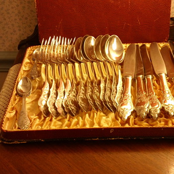Silver Plate German flatware by the Uhren Gold & Silver Co. Landstrul Pfaiz - Sterling Silver