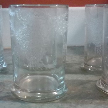 Dorothy C Thorpe California Set of 6 Glasses....
