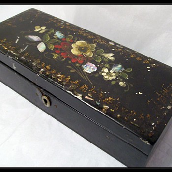 VICTORIAN Paper Mache Jewelry Box ( or PAPIER Mache) - Fine Jewelry