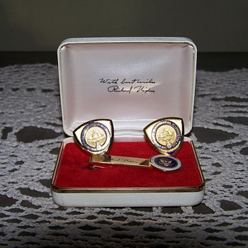 Richard M. Nixon cufflinks and tie bar