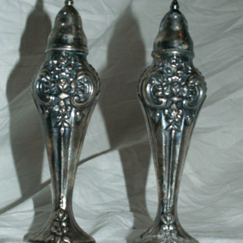 Vintage WM Rogers 1881 Sterling Silver Shakers