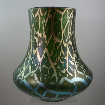 Iridescent soft craquelle glass vase, ca. 1900 - Kralik, or other? - Art Glass