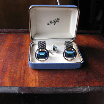 Forsyth Cufflink set - Costume Jewelry