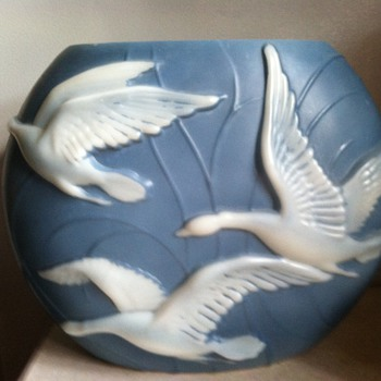 Phoenix or Consolidated Pillow Vase - Art Glass