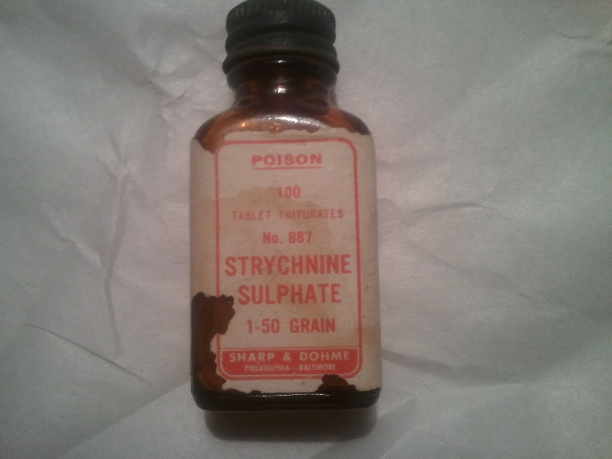 strychnine sulphate bottle collectors weekly