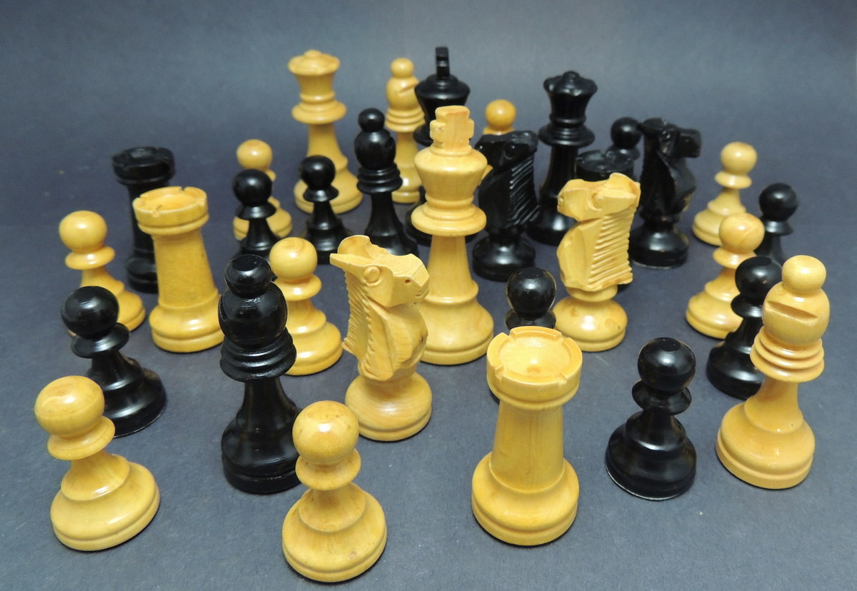 Staunton Style Chess Pieces Collectors Weekly