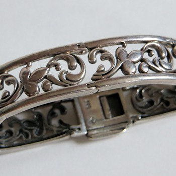 Hvy Sterling Bracelet~Sturdy Construction, Super Secure Clasp~Does anyone recognize the Silver Mark?