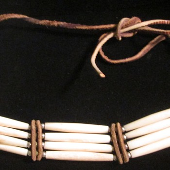 Hairpipe bone belt and bone necklace