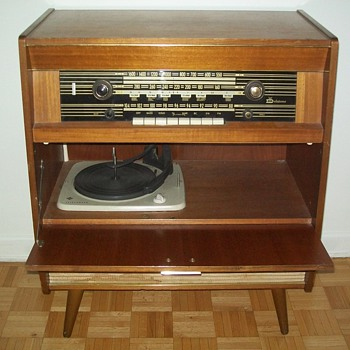 DELATONE STEREO CONSOLE