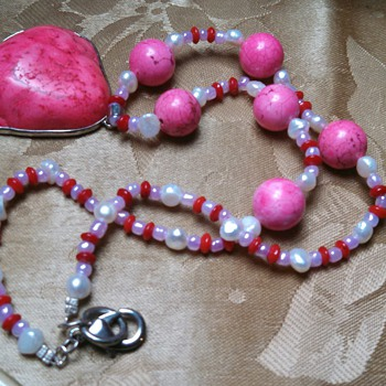 Pink Stone Necklace w/pearly beads