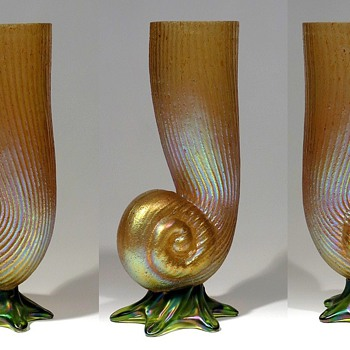 Kralik Cornucopia Vase    - Art Glass