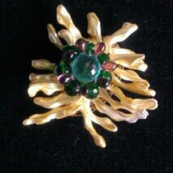 A brooch that is so ugly it's almost beautiful!