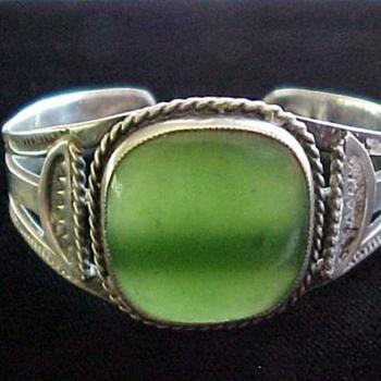 Navajo Jade silver cuff - Fine Jewelry