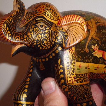 Cute Elephant RIDICULOUSLY elaborately painted with hunting scene   - Animals