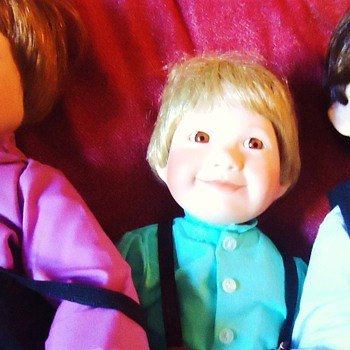 3 Dolls Amish type  Julia Good, porcelain $11.00 for gifts! around 1990. - Toys