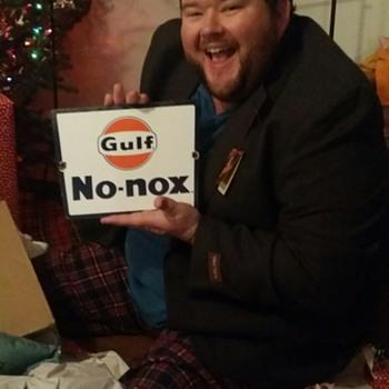 Merry Christmas!!!! 1960's Gulf NO-nox gas pump plate. - Petroliana