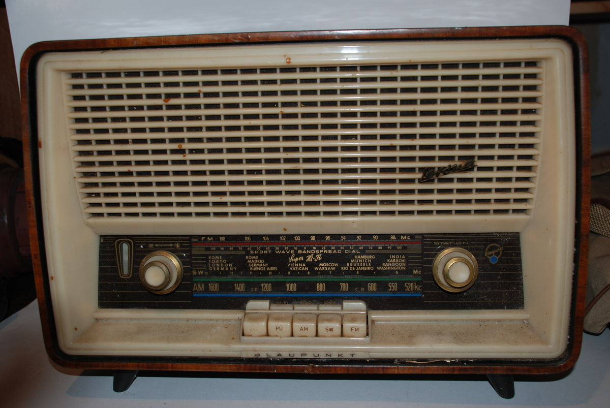 Vintage Radio !! Blaupunkt Verona 2608 Tabletop Radio Shortwave : Collectors Weekly