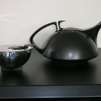 marianne brandt ashtray and walter grophius theapot - Kitchen