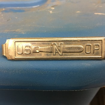 Is this a Navy Submarine tie clip?
