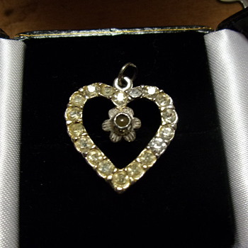 Vintage 1950's Peek-a-Boo Heart - Costume Jewelry