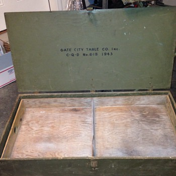 Wooden Trunk/toolbox ? - Military and Wartime