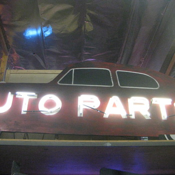 Neon AUTO PARTS  Very Large Prop/sign