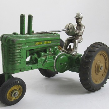 Arcade John Deere Toy Tractor - Model Cars