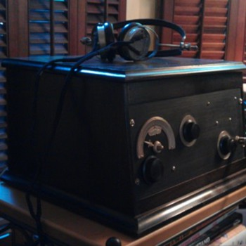 Crosley 52SD (special deluxe) regenerative AM receiver  - Radios