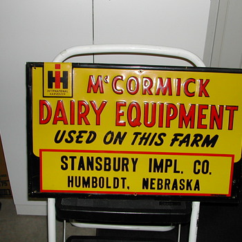 IH-McCORMICK DEERING TIN SIGN - Signs