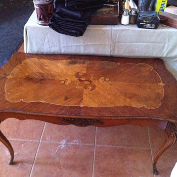 Beautiful vintage wood inlay coffee table