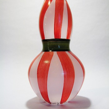ULRICA VALLIEN FOR KOSTA BODA -SWEDEN - Art Glass
