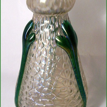 Kralik Martele Vase - Art Glass
