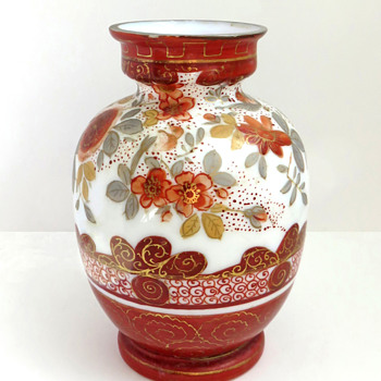 Japanese Kutani-style Glass vase c. 1880 attrib. to Harrach