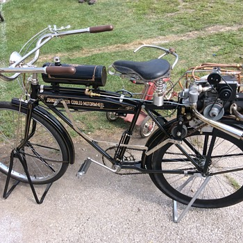 Davenport Iowa antique motorcycle swap meet 2015 - Motorcycles