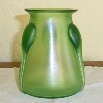 Loetz Vesuvian 'Creta Glatt mit Tropfen' - Art Glass