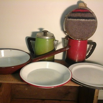 Vintage Enamel Ware And Camping Gear - Kitchen