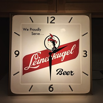 "Leinenkugel clock without the ""S"""