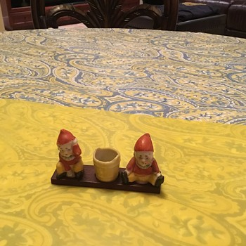Any info about this salt and pepper set is appreciated - Kitchen