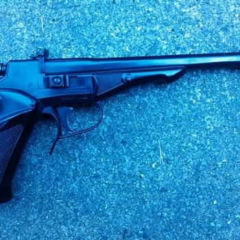 Vintage C02 Pellet Pistol Year 1975