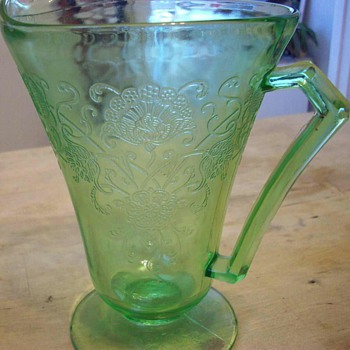 Lot of Green Florentine Depression glassware - Glassware