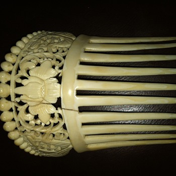 Ivory or Bone Comb - Asian