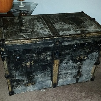 Steamer trunk/ big treasure chest