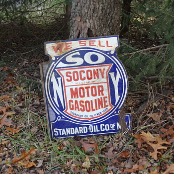 just dug these signs. help with age. - Advertising