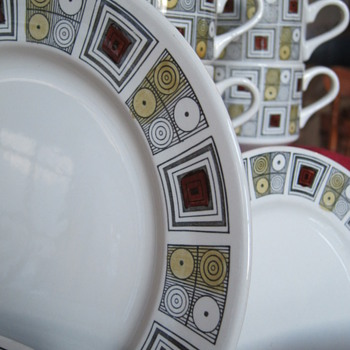 Retro Dinnerware - China and Dinnerware