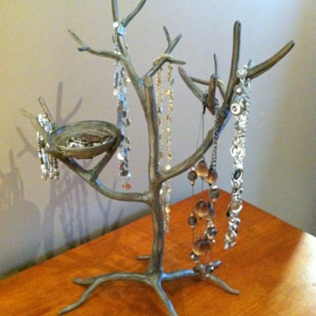 New Jewelry Enjoyed on a Tree!