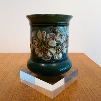 DOULTON LAMBETH IMPASTO FANNY ALLEN 1883 - Art Pottery