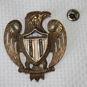 Gorgeous Eagle Brooch - Costume Jewelry