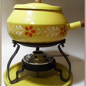 Vintage FONDUE  - Kitchen