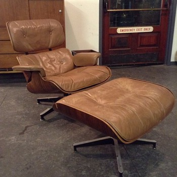 1960s Eames Lounge Chair with Caramel Leather - Mid-Century Modern