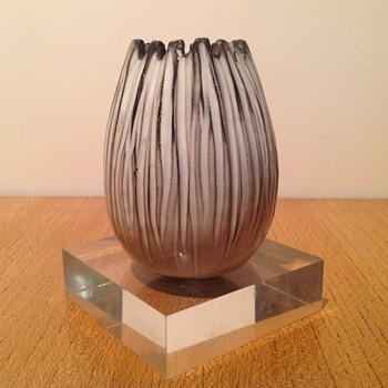 VICKE LINDSTRAND - FUNGO 3007 - Art Pottery